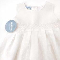 detalle vestido bebe de lino con tul y capota