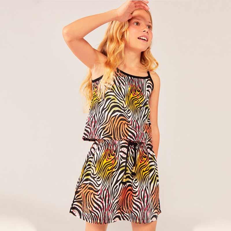 niña con vestido primavera verano  estampado print colores