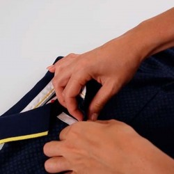 fácil colocación polo manga corta niño azul marino y amarillo