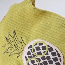 detalle camiseta bebé algodón orgáncio