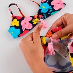 detalle elástico bikini niña flores