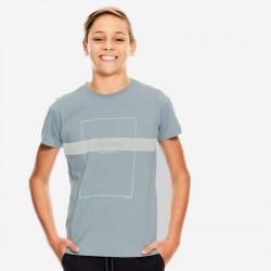 niño con camiseta garcia jeans azul acero