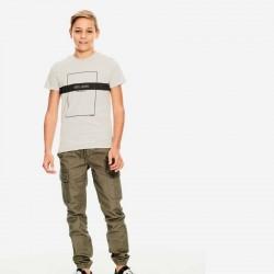 look niño garcia jeans con camiseta gris y marino