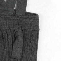 detalle peto bebe algodón orgánico gris antracita