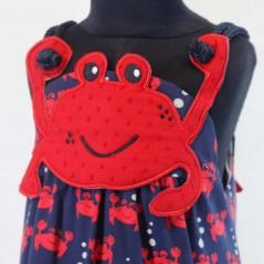 detalle vestido niña rojo y azul de cangrejos bas marti