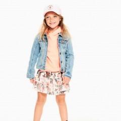 niña con falda neon de garcia jeans