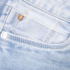 detalle tejido pantalon corto denim niña garcia jeans azul claro