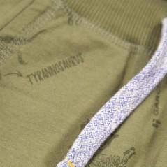 detalle bermuda punto niño de garcia jeans dinosaurios