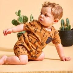bebe con pelele cactus camel de feetje lateral