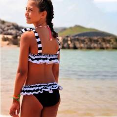 bikini niña marena negro y blanco por detras