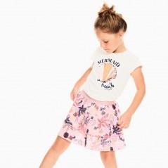 niña con conjunto falda de garcia jeans