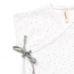 detalle camiseta primera puesta lillymom crudo y verde
