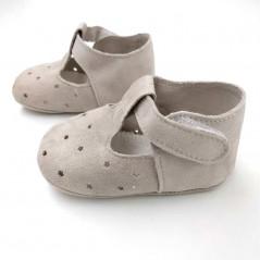 zapatos bebe beige de ante con estrellas vista lateral