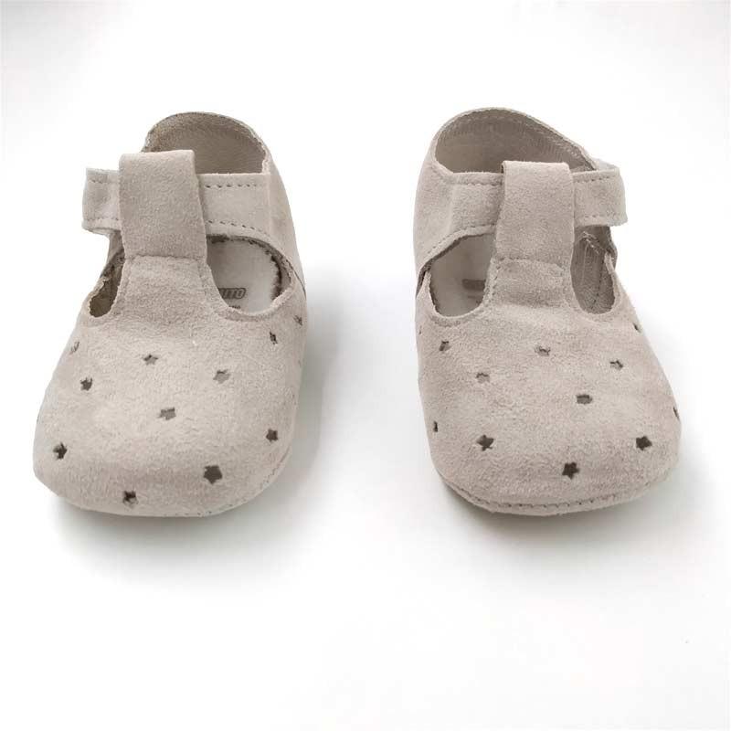 zapatos bebe beige de ante con estrellas