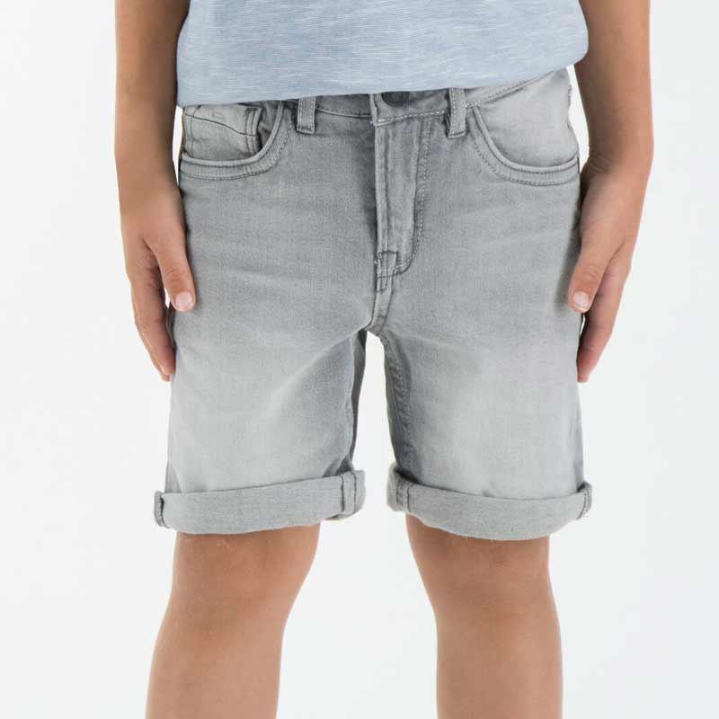 pantalón corto denim de niño gris