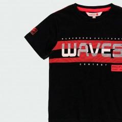detalle estampado camiseta verano niño negra y roja de boboli