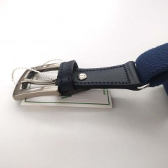 detalle hebilla cinturon niño elastico azul navy de vaello