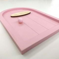 puerta raton perez rosa pastel vista de perfil