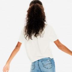 niña con camiseta manga corta de garcia jeans blanca por detras