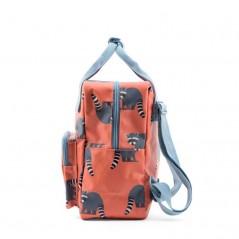 mochila infantil mapaches de studio ditte vista lateral