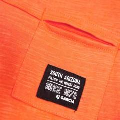 detalle camiseta naranja niño de garcia jeans