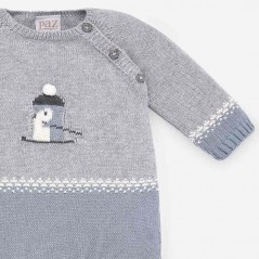 detalle botones pelele bebe invierno azul y gris de paz rodriguez