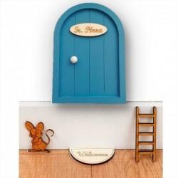 puerta raton perez azul grisaceo en pared