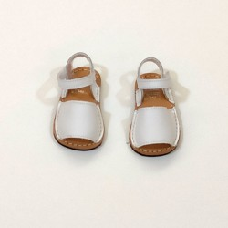 menorquina bebe blanca de cuquito