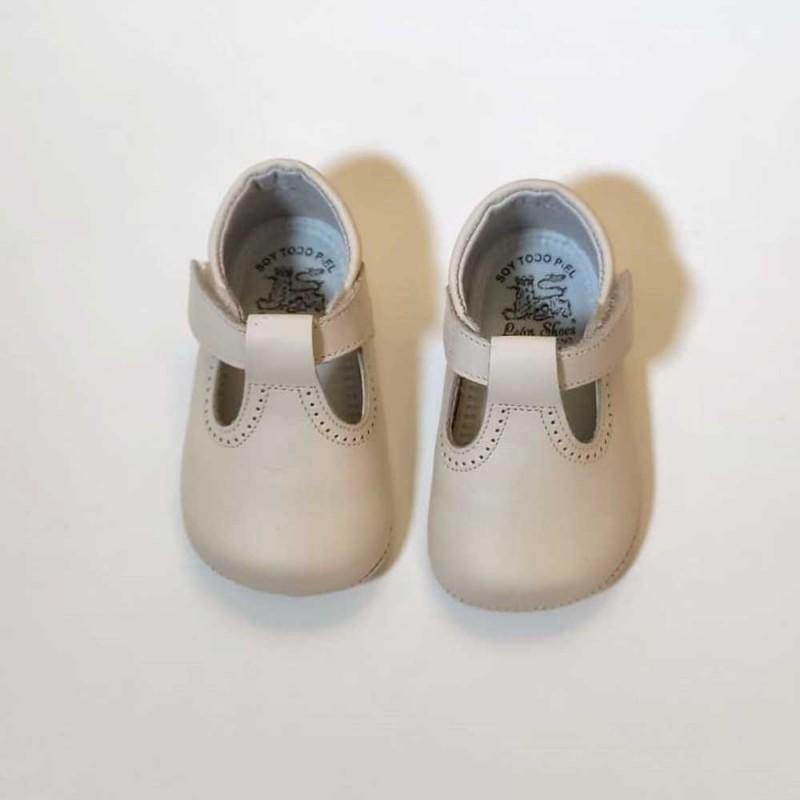 zapatos bebe sin suela beige con velcro