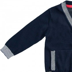 detalle manga chaqueta punto niño azul marino y gris ido