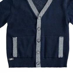 detalle chaqueta punto niño azul marino y gris ido