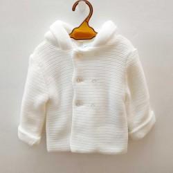 chaquetón bebé cruzado de punto blanco sardon