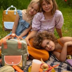 mochila niños sticky lemon kaki y caldera