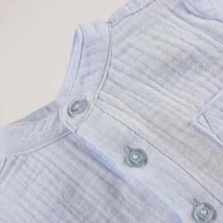 detalle camisa bebe niño de gasa azul claro boboli