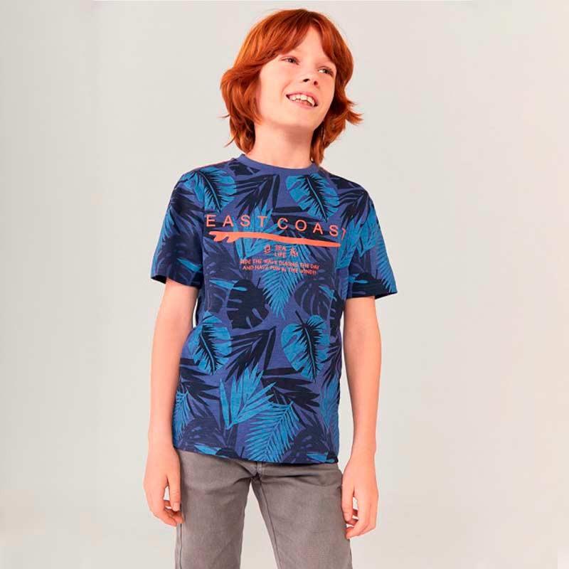 niño con camiseta estampada azul boboli