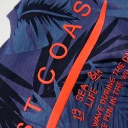 detalle camiseta manga corta estampado azul de boboli