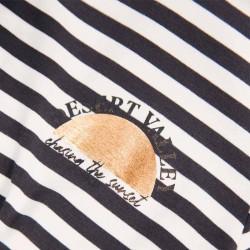 estampado rayas grises de camiseta niña